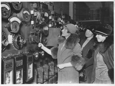 WES women visit factory 1920s